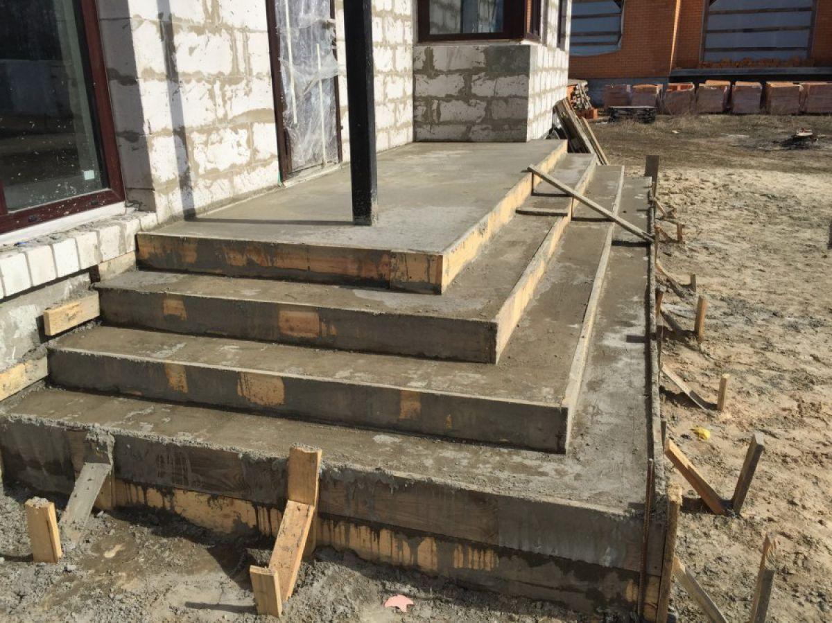 Крыльцо из бетона 241