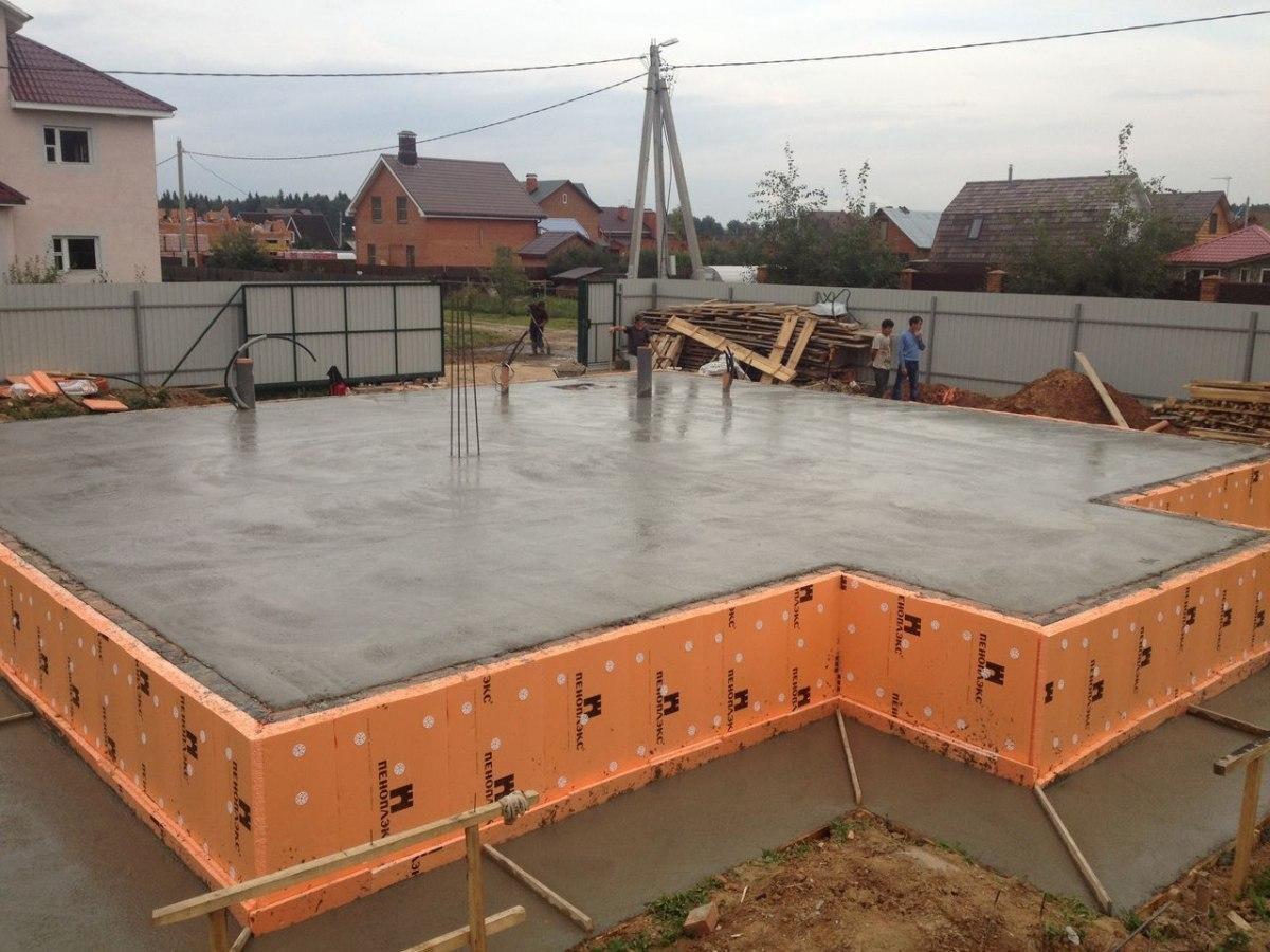 Ленточный фундамент. Подобрать бетон по основным характеристикам,  и как правильно заказать бетон на участок 1423