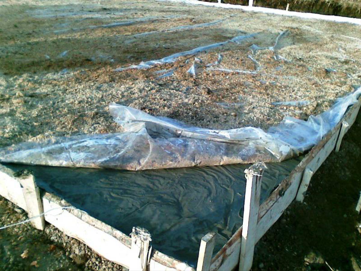 Приготовление бетона для ленточного фундамента - на своем участке. Температура бетонной смеси 1471
