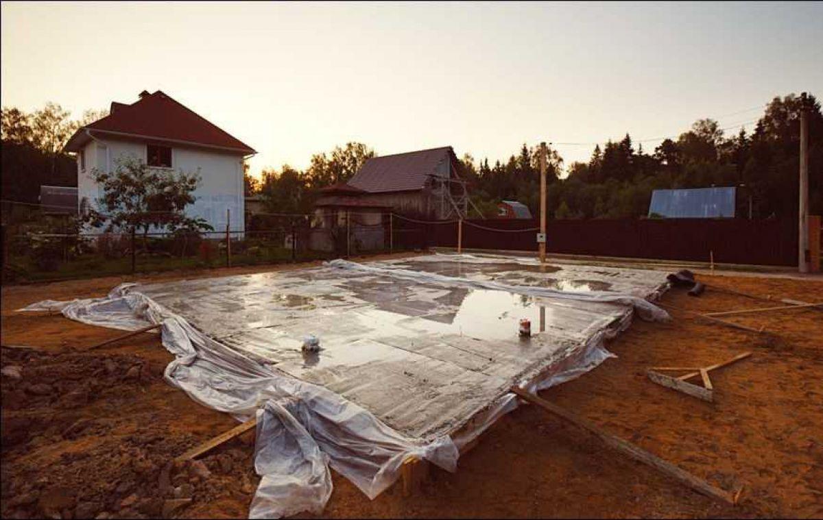 Приготовление бетона для ленточного фундамента - на своем участке. Температура бетонной смеси 1475