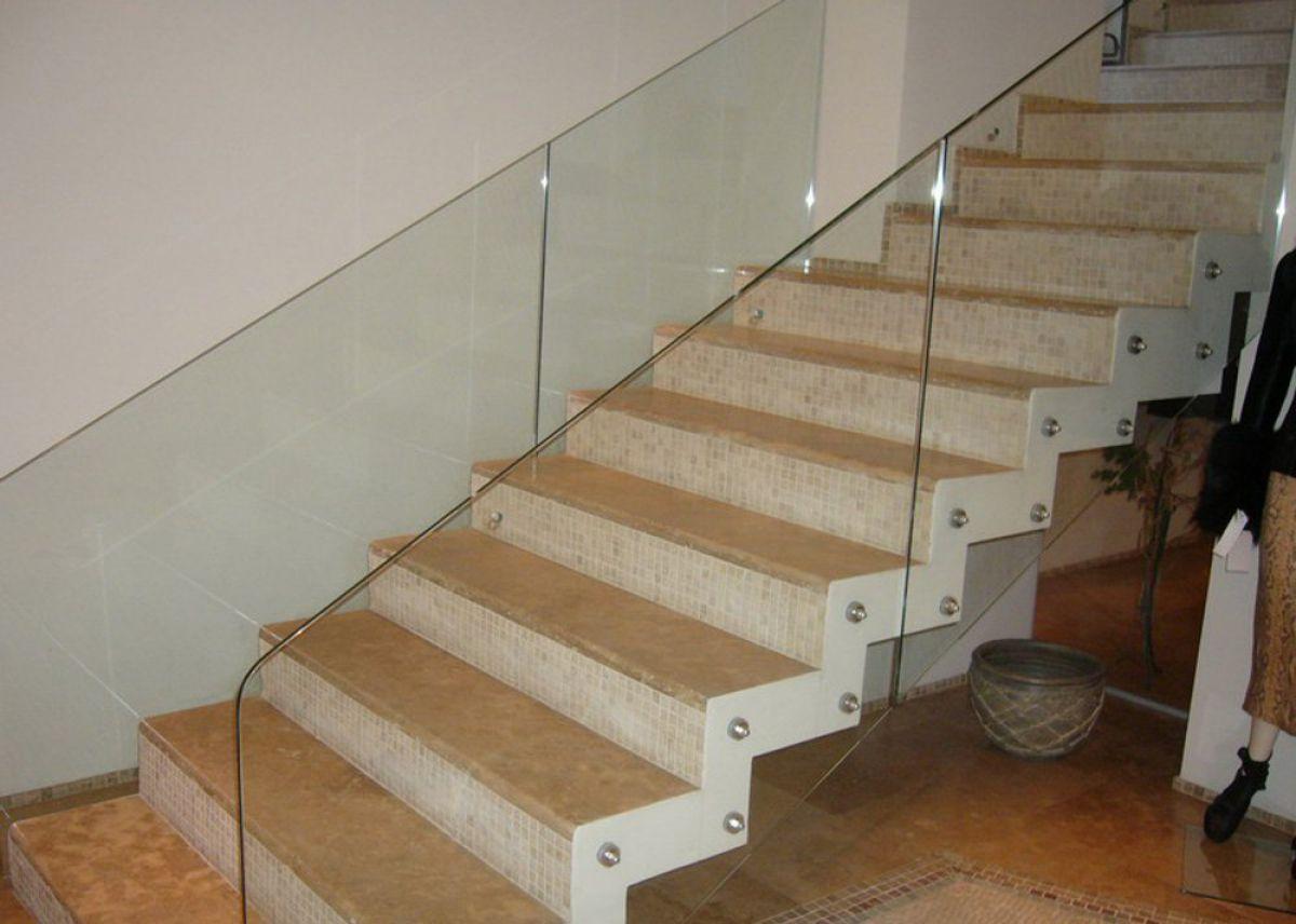 Лестница для коттеджа. Виды лестниц 2430