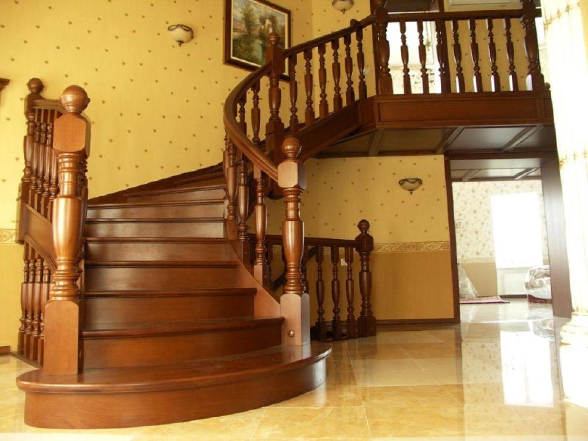 Лестница для коттеджа. Виды лестниц 2436