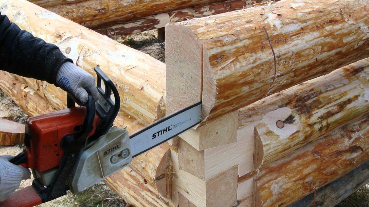 Как сделать из бревна сруб