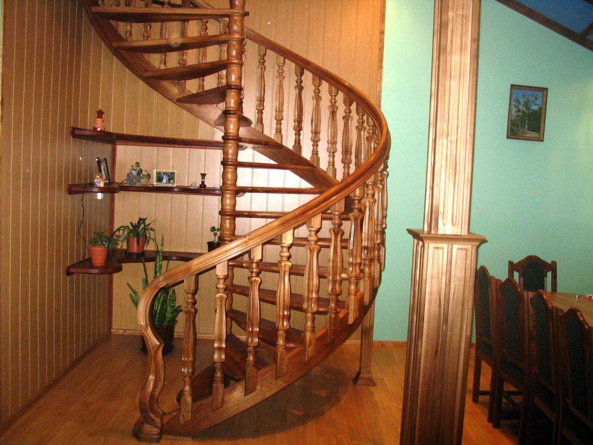 Винтовая лестница своими руками. Виды винтовых лестниц, плюсы и минусы 3402