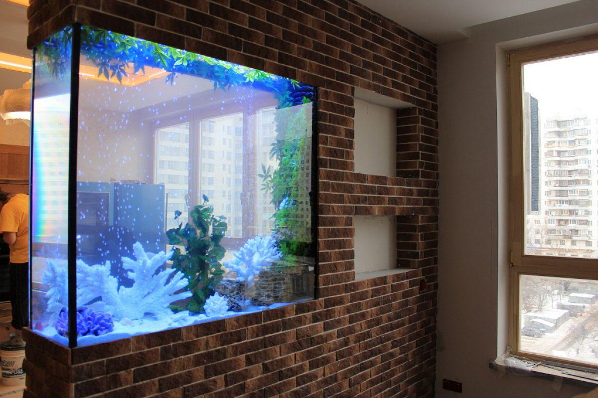 Аквариум в доме: настоящий или имитация. Интерьеры с аквариумами 4047