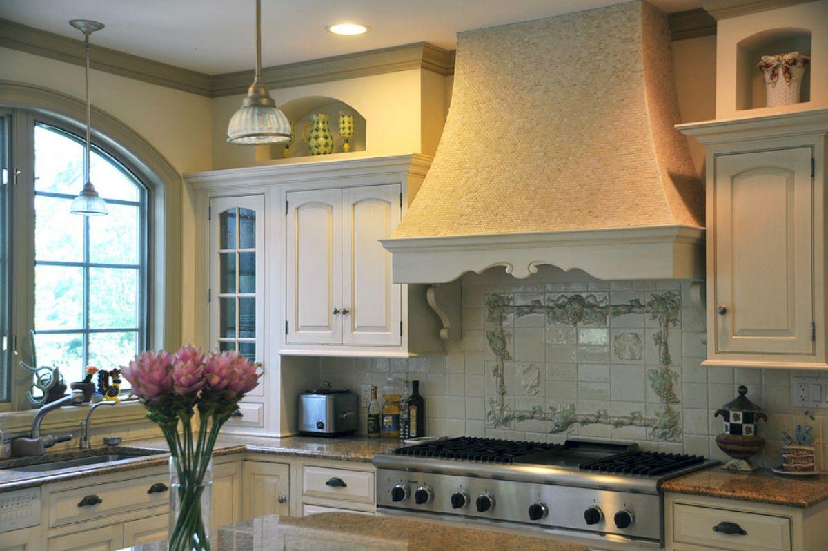 Современные вытяжки в кухонных интерьерах. История и конструкция вытяжки 4295