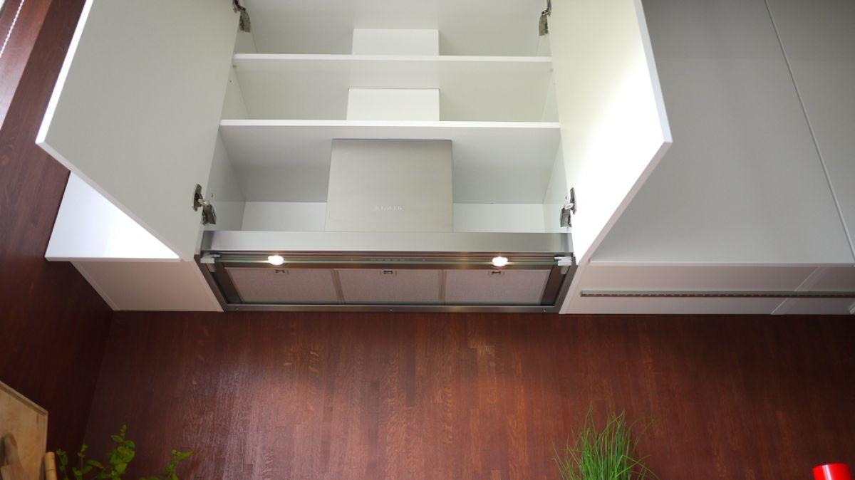 Современные вытяжки в кухонных интерьерах. История и конструкция вытяжки 4297