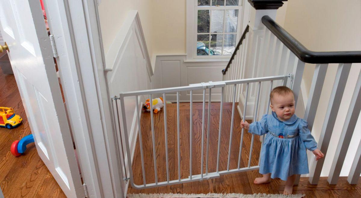 Дом, лестница, дети. Защита лестниц от детей 4341