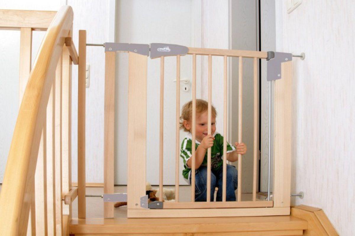 Дом, лестница, дети. Защита лестниц от детей 4345