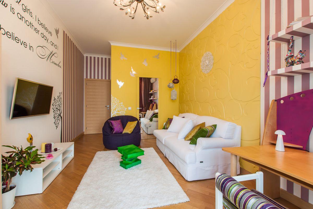 В интерьере - желтый цвет. Прихожая, ванная, гостиная, кухня в желтом 4517