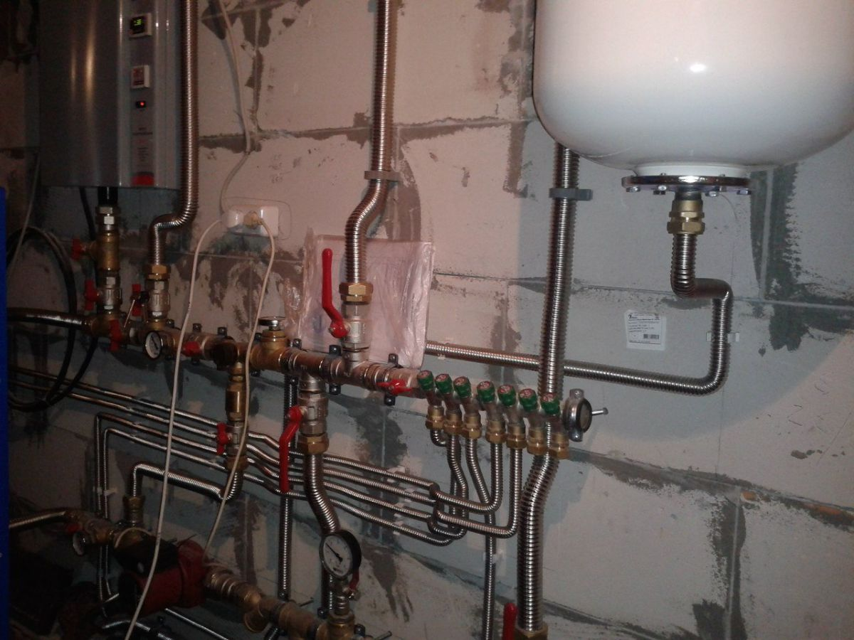Отопление частного дома. Трубы - виды, особенности и выбор. Металлические трубы 4855