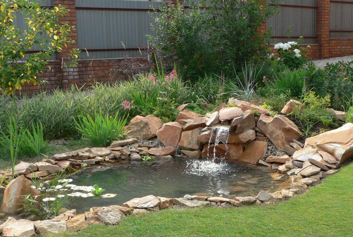 Загородный дом и лето. Водоем, водопад, декоративная мельница 4953