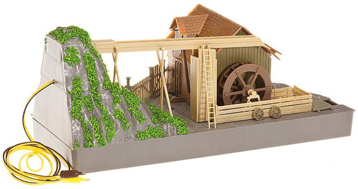 Загородный дом и лето. Водоем, водопад, декоративная мельница 4958
