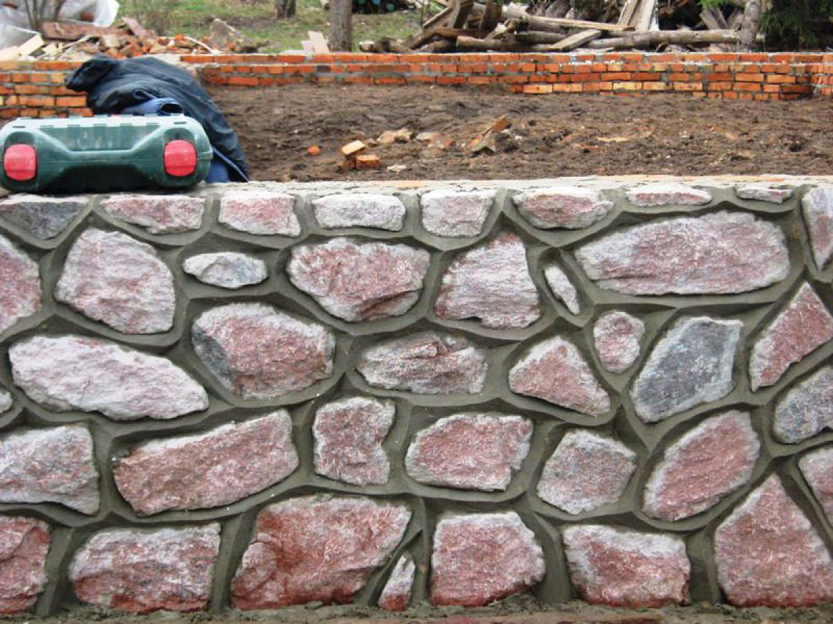Заборы из камня 5270