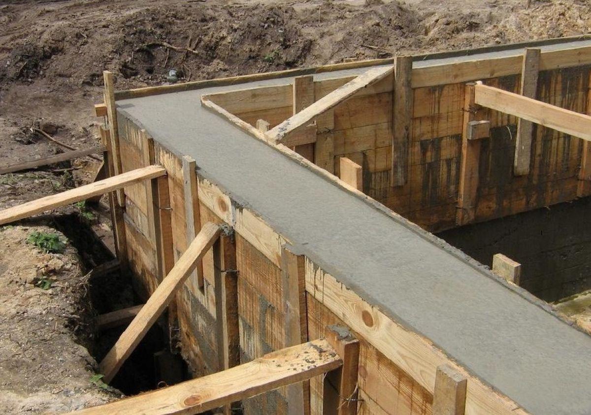 Заливка ленточного фундамента каркасного дома 5699