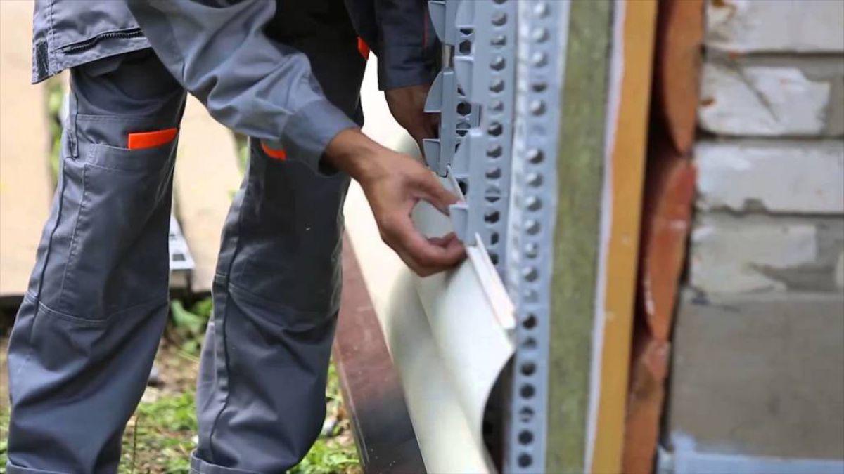 Обшивка дома пластиковым сайдингом 5788