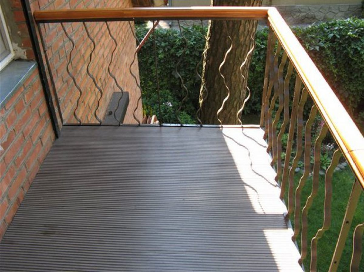 Пол на балконе 6017