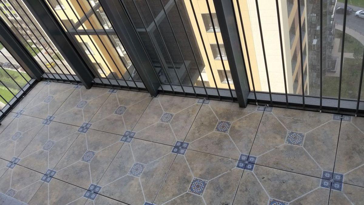 Пол на балконе 6020