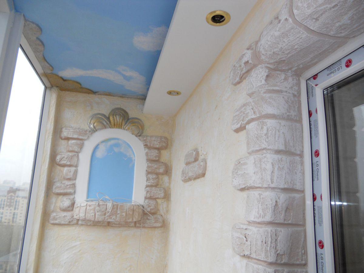 Натяжной потолок на балконе 6049