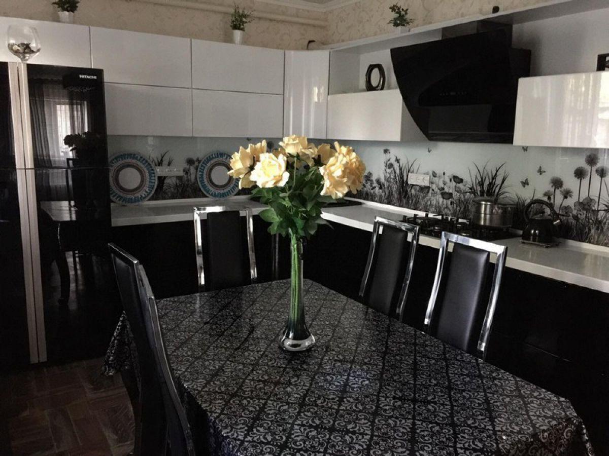 Черная кухня 6992