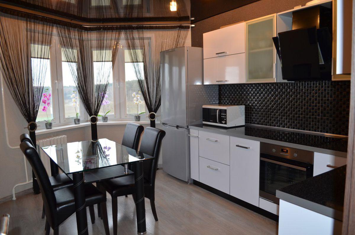 Черно-белая кухня 7035