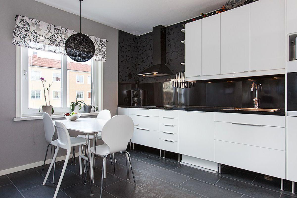 Черно-белая кухня 7036