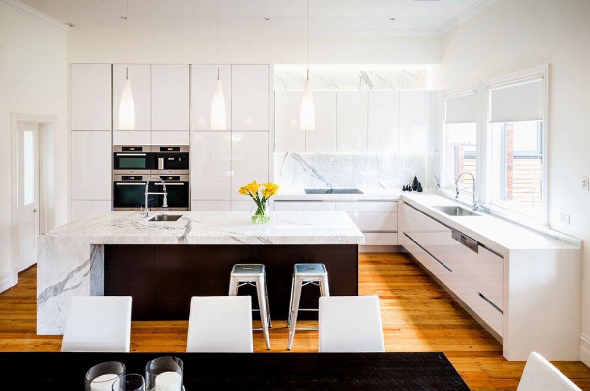 Черно-белая кухня 7037