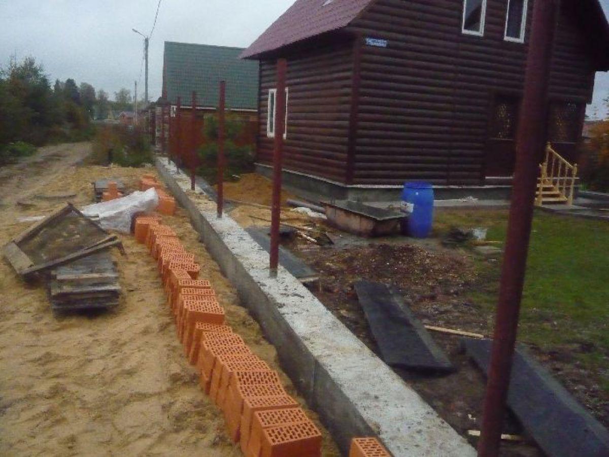 Кирпичный забор 7323
