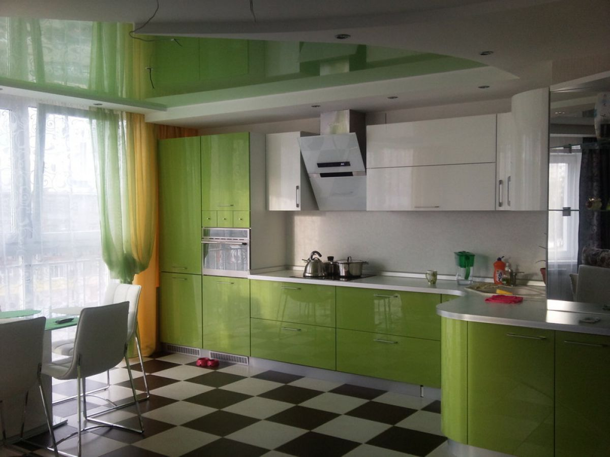 Зеленая кухня 7777