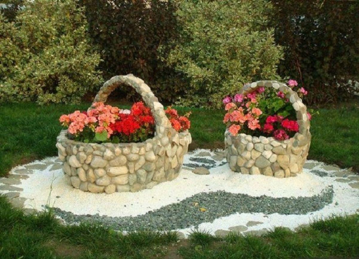 Украсить двор камнями своими руками фото