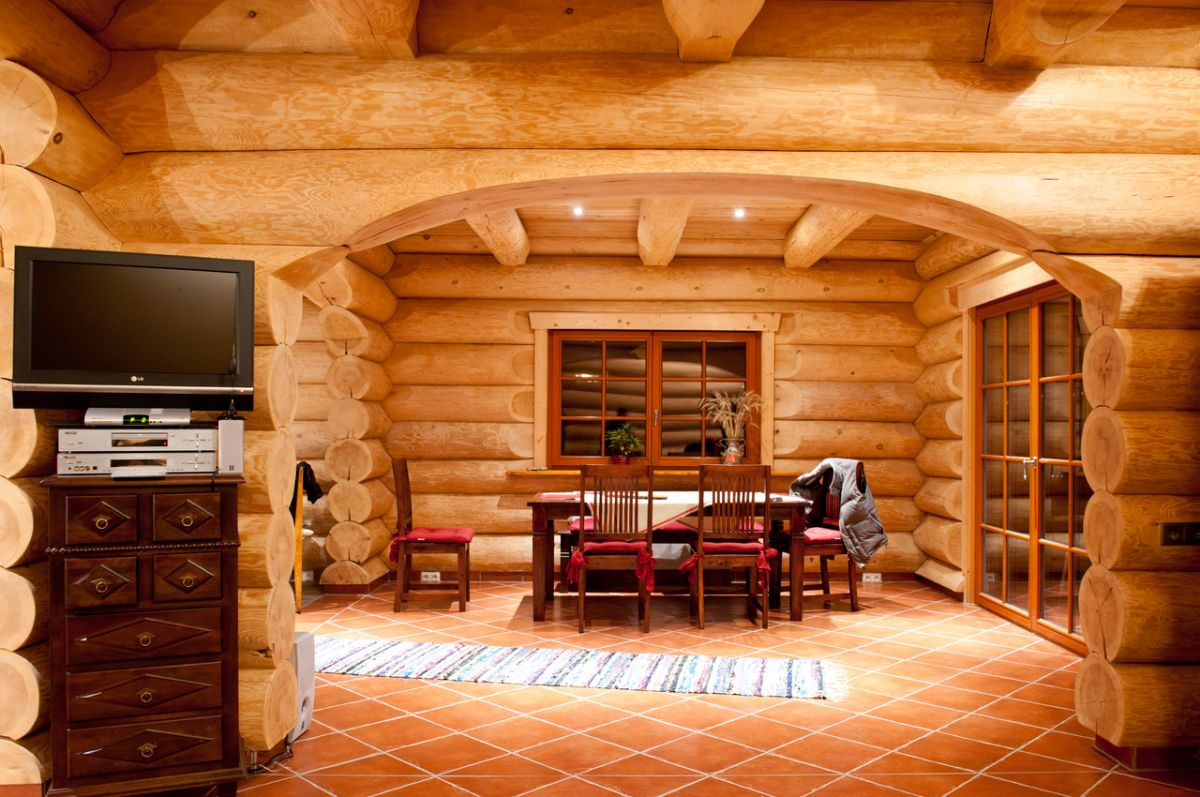 арка в деревянном доме из бруса фото несмотря маленькую
