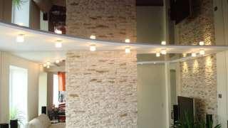Зеркальный потолок – красота и функциональность
