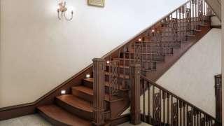 Лестница для коттеджа. Виды лестниц