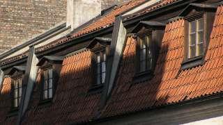 Дом с мансардной крышей