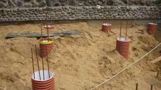 Фундамент из пластиковых труб. Особенности, преимущества, технология устройства