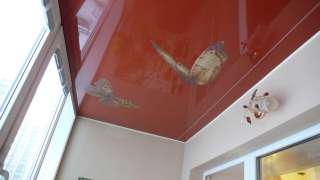 Натяжной потолок на балконе